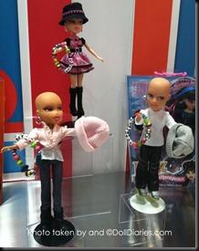 Barbie-calva-bald-and-really-beautiful-princess-2013-muñecas-Barbie-juguetes-Pucca-juegos-infantiles-niñas-cancer-hospital-chicas-maquillar-vestir-peinar-fashion-belleza-princesas-bebes-facebook-11
