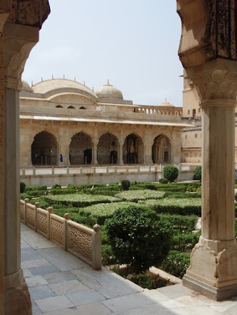 India: Moguai gardens