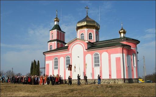 Храм великомученика Димитрія Солунського в с. Вишнів