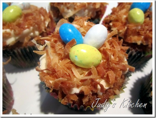 hummingbird cupcakes (2)