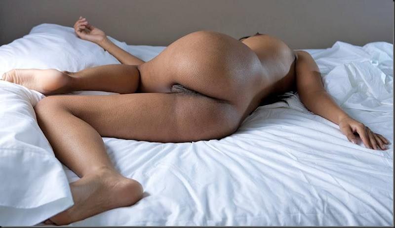 kiki_dormindo_mulher_pelada_nua_buceta_pussy_0112
