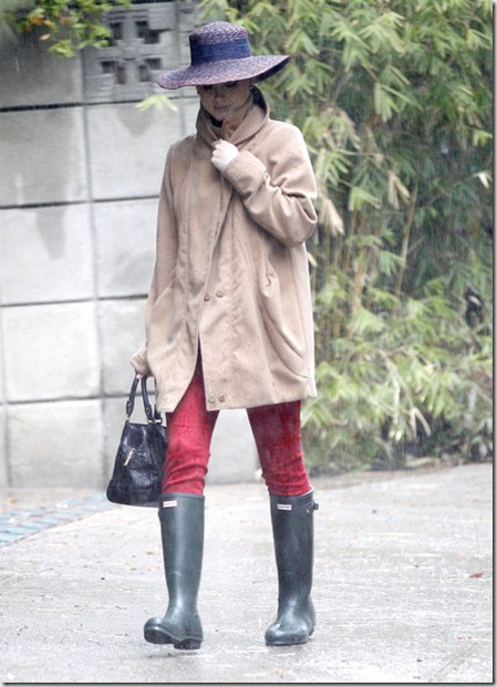 Katy Perry Heading Coachella Rain TpBrJOEBzLAl