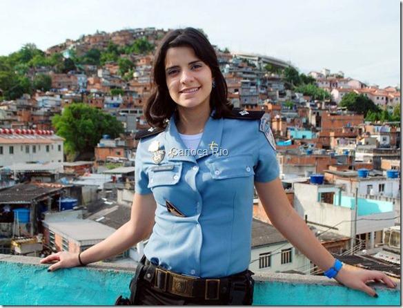 Formada em 2008, ela entrou para a PM antes de a primeira favela ser pacificada