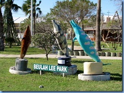 6729 Texas, Port Isabel - Beulah Lee Park - dolphin statues