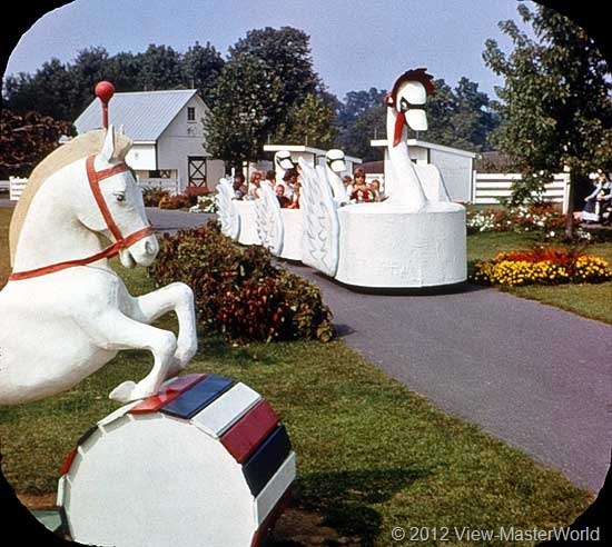 View-Master Dutch Wonderland (A634), Scene 8: The Swan Carriage