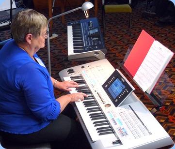 Barbara McNab played her Yamaha Tyros 4 for us