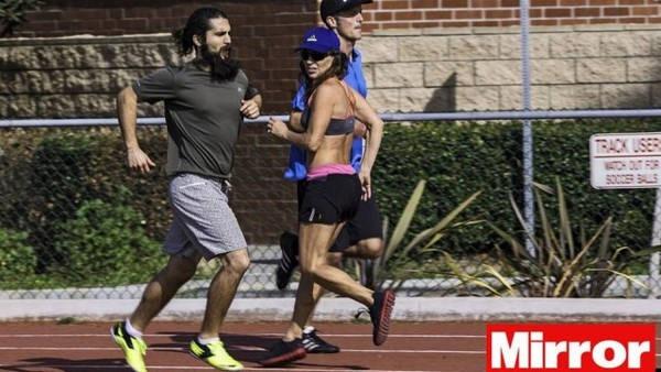 8- Doença obriga atleta a correr só de costas