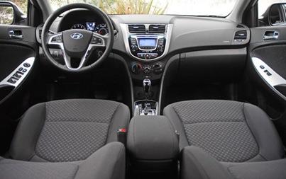 2012-Hyundai-Accent-SE-interior