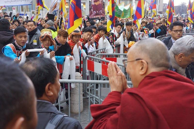 Thời sự tin tức Phật giáo thế giới - Người Áo Lam - 005