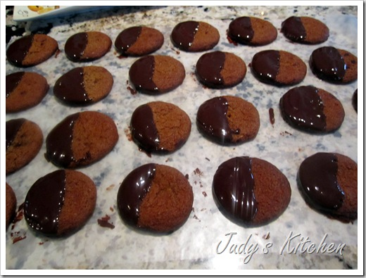 choc dipped ginger cookies (7)