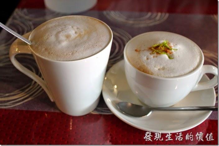 台南-栗子咖啡。熱拿鐵與卡布奇諾。