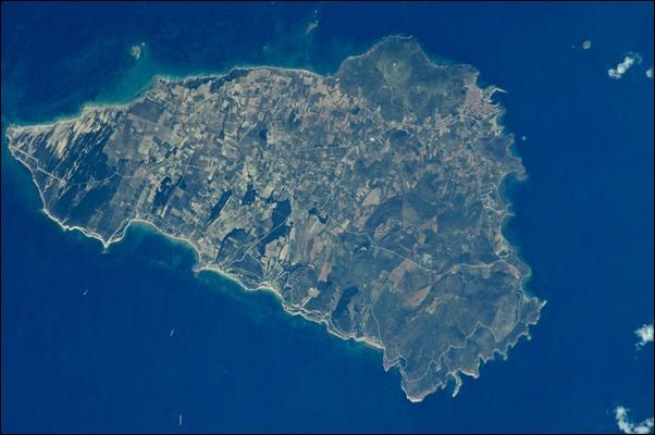 صورة جوية للجزيرة