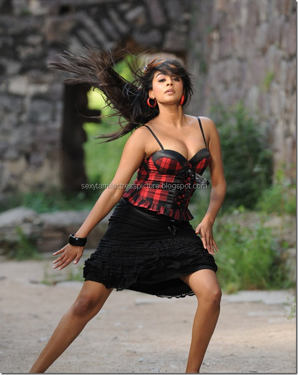 priyamani_too_hot_stills_03
