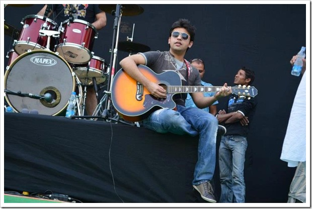 Farhan-Saeed-in-Indore-31-March-2012-1mastitime