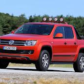 2013-Volkswagen-Amarok-Canyon-4.jpg