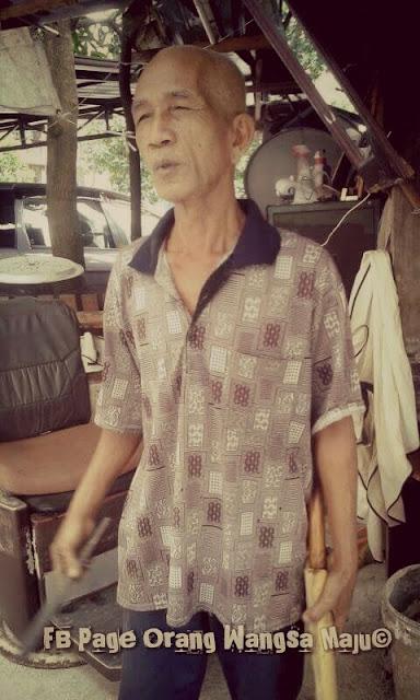Pakcik Samad Tukang Gunting Rambut Lejen