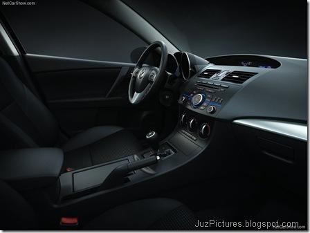 Mazda 3 Sedan6