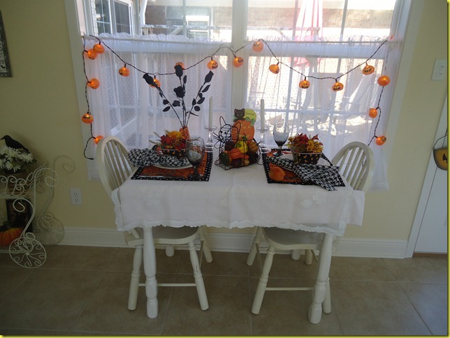 Sunroom Halloween 2011 004