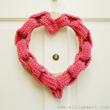 Crocheted Paper Chain Heart Wreath by The Silly Pearl