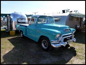07f1 - show - Vintage RVs