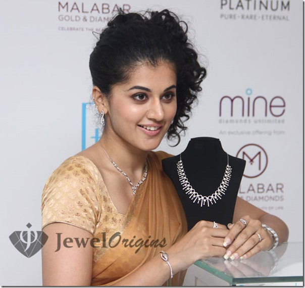 Tapsee_Malabar_Gold_and_Diamonds (2)