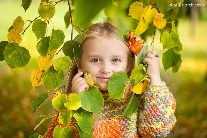 Осенняя фотосессия Насти. Детский фотограф Гродно