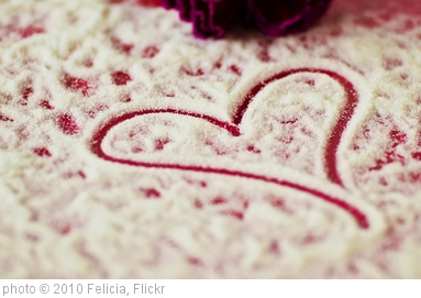 'Sweet Heart' photo (c) 2010, Felicia - license: http://creativecommons.org/licenses/by-sa/2.0/