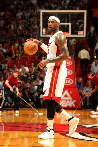 lebron james nba 140404 mia vs min 02 LeBron James Adds White and Black Soldier 7 to His Repertoire