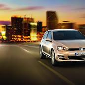 2013-VW-Golf-7-12.jpg
