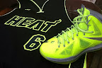 nike lebron 10 gr atomic volt dunkman 7 01 Nike, This is How We Want Our Volts! With Diamond Cut Swoosh.