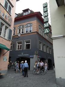 099 - Zunfthaus zur Schmiden.JPG