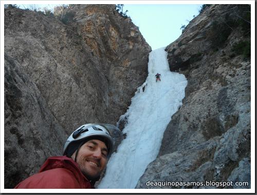 Cascada de Hielo de La Sarra 250m WI4  85º (Valle de Pineta, Pirineos) (Pep) 3306