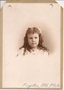 Hazel 5 years old in 1895
