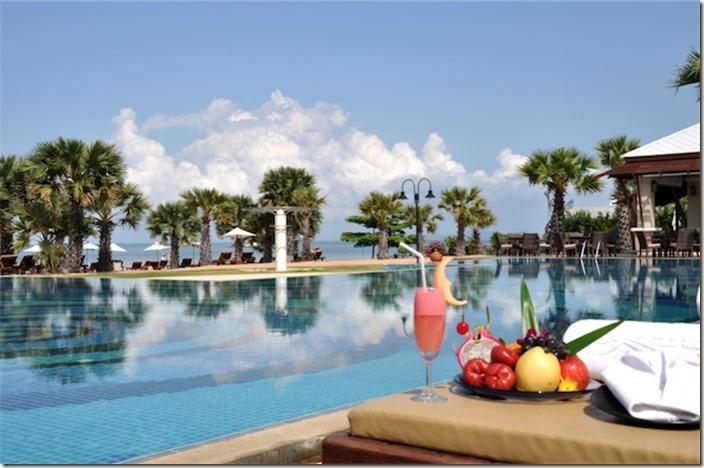 493-1336969810-beach pool