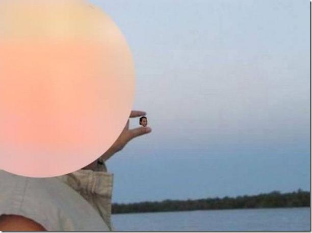 photoshop-sun-between-fingers-5