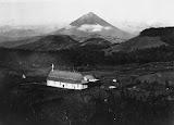 Gunung Ebulobo (Pater Simon Buis, 1919-1936) Courtesy TropenMuseum Archives