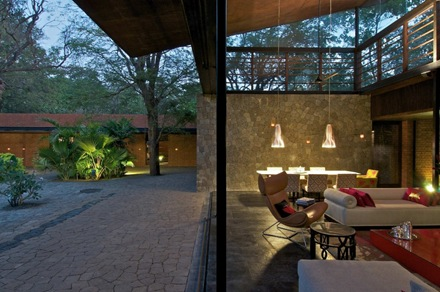 decoracion-jardin-casa-brick-kiln-spasm-design-architects