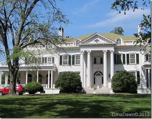 Oakridge_Mansion_Front