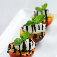 Grilled Peaches with mascarpone and balsamic glaze