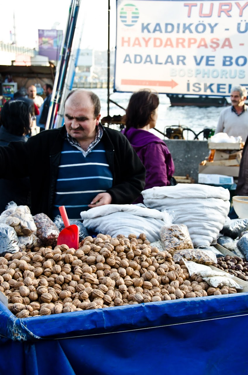 Vendor at the Galata neighborhood