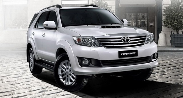 2012-Toyota-Fortuner-forcarscoop-84490001