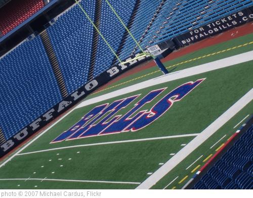 'Ralph Wilson Stadium, Buffalo Bills, Buffalo NY. Crane lift  (7)' photo (c) 2007, Michael Cardus - license: http://creativecommons.org/licenses/by/2.0/