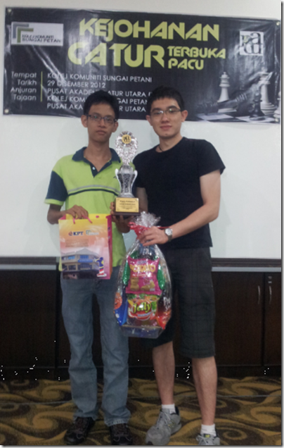 Fong Yit San(left) and Evan Capel, joint winners of PACU Open 2012