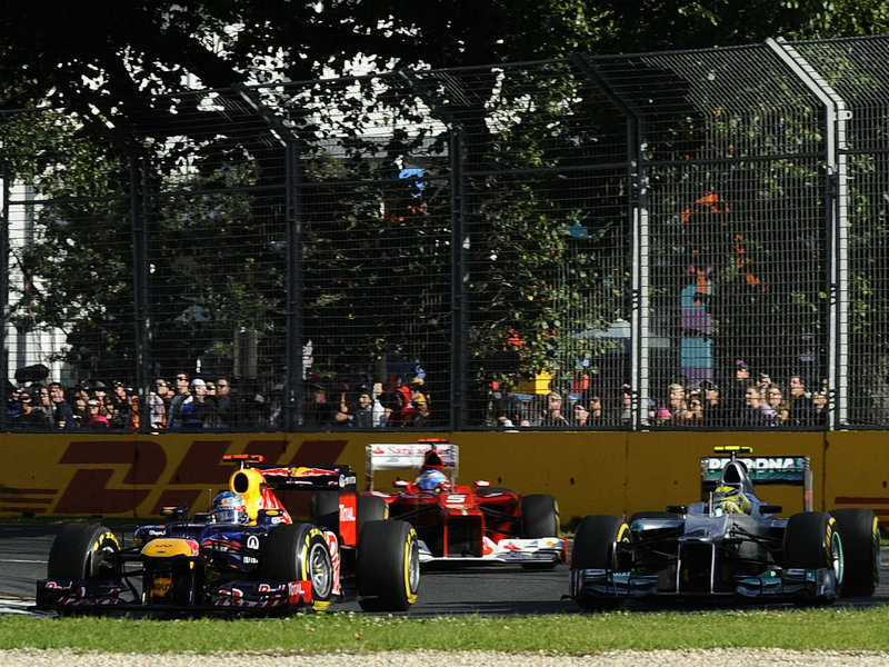 Sebastian-vettel-in-front-of-Roberg-and-Alons_2735619.jpg