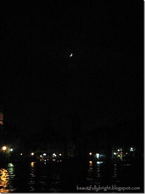 23}Moon