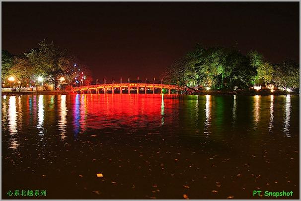 夜间的栖旭桥