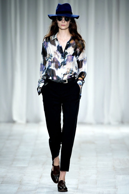 London Fashion Week - Paul Smith (Spring 2012) 25