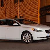 2013-Volvo-V40-New-11.jpg