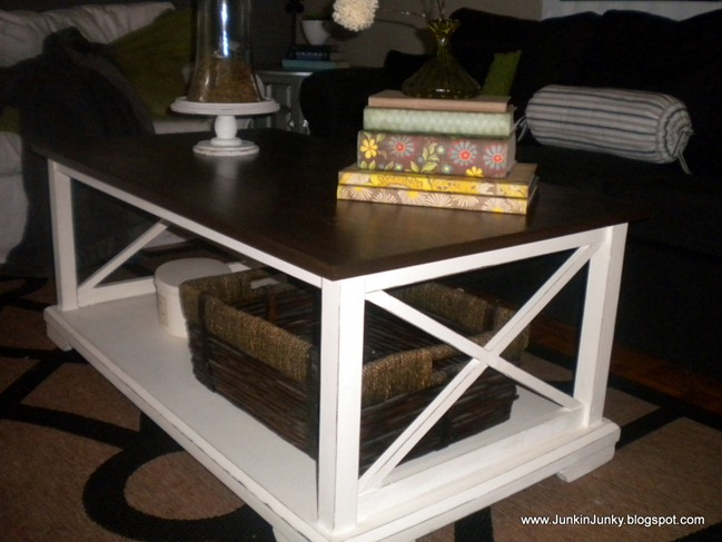 coffee table makeover at JunkinJunky.blogspot.com