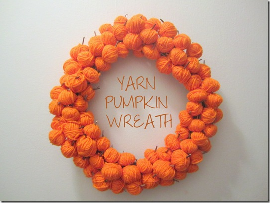 Yarn Pumpkin Wreath {KraftyKat}
